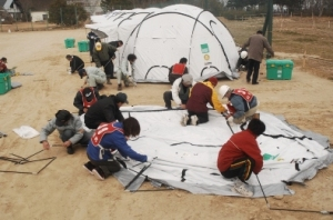 f85805-shelterbox-japan-032011-ag-003